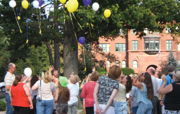 Photo_Balloon_Launch_Mourning_Hope_Grief_Center_Lincoln_Nebraska