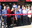 photo-applebees-ribbon-cutting
